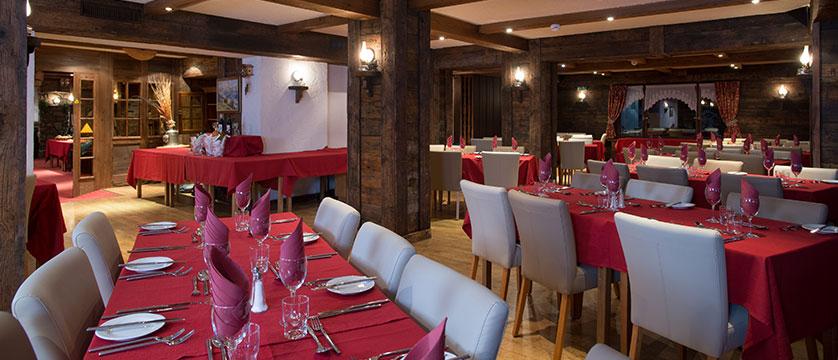 switzerland_verbier_xtra-chalet-de-verbier_dining-room2.jpg